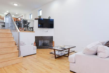 Charming Private Room + Parking - 시카고