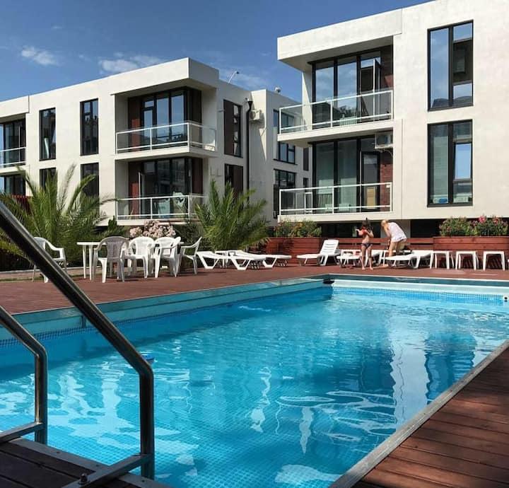 Уникальная квартира в центре Сочи c бассейном
