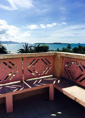 CLEAN comfortable ocean view AIRCON - Estancia - House