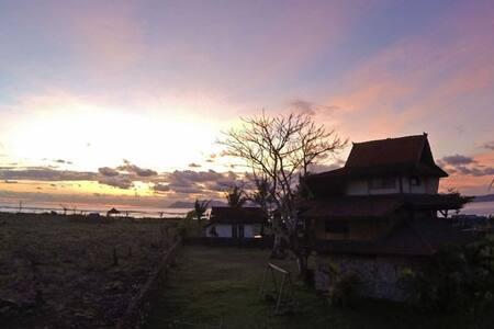 Nungas Haven @LakeyPeak/Sumbawa - Hu'u