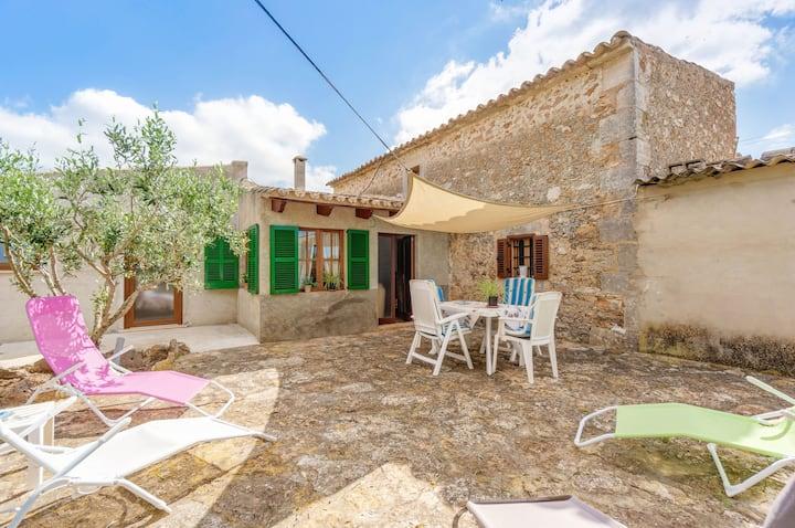 In a rural idyll near the beach - Villa Can Hostalet