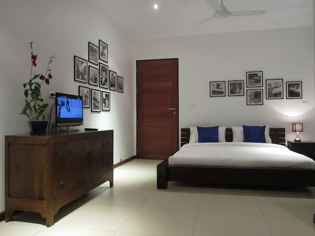 Bang Tao: Stylish 2-bedroom suite - Phuket, Thailand - Bed & Breakfast