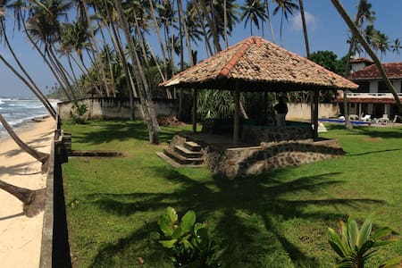 SENSATIONAL BEACH FRONT VILLA NEAR  - Galle - Villa
