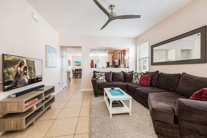 Living room - Lots of space for the whole family, enjoy the open concept floorplan with tons of room to spare.