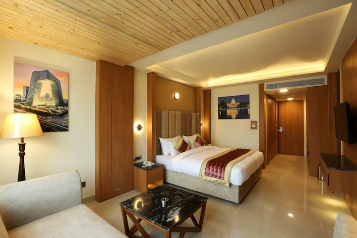 Rooms in 4 Star Hotel with Heating - Sector 45