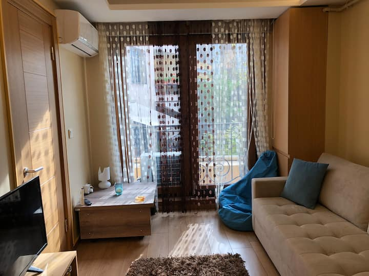 Quite cozy flat at center, Abbasağa