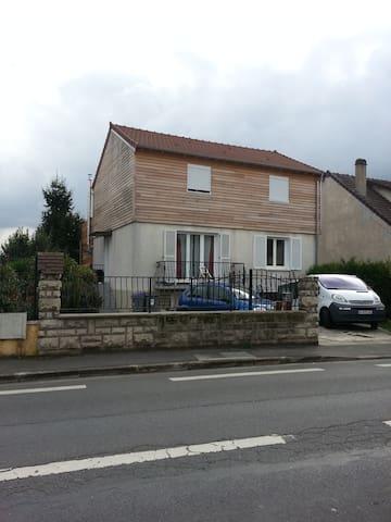 Maison 8p à Conflans Ste Honorine (78) - Conflans-Sainte-Honorine