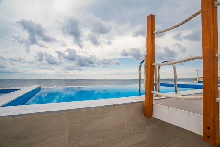 Stylish Sky Villa with sea views and private pool