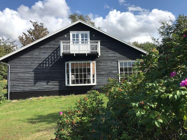 Familiehus på bedste beliggenhed i Tisvildeleje-