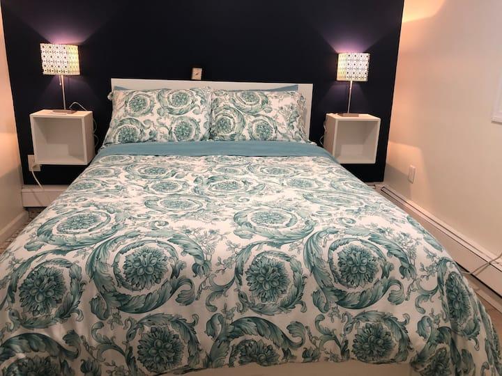 Cozy 2 Bedroom Apt, 20 Mins from NYC