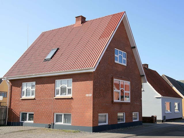 City villa near the north sea - Thyboron - Ev