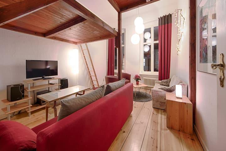 Quiet vacation apartment in Kreuzberg