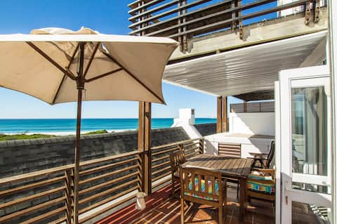 Horizons on Sea - Beachfront Apartment