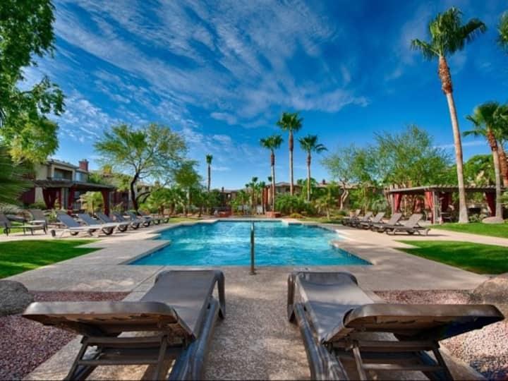 Private, Clean, Spacious Resort Living - Red Rocks