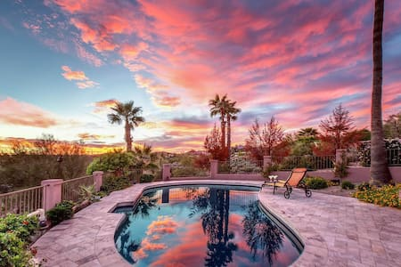 Fountain Hills Views- 2 master bdrms, heated pool, stunning city & mtn views! - Fountain Hills