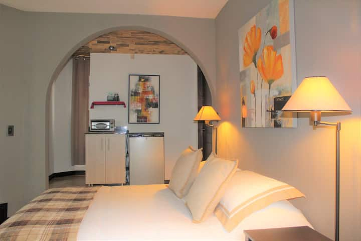 Suite-Colonial/AC/SjoAirport/Tours/Personal Chef