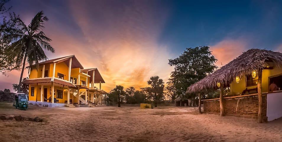 Elephant Road ,Surf and Yoga resort - Arugam Bay - 家庭式旅館