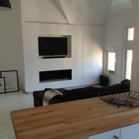 Perfectly located bright loft - Antwerpen - Huoneisto