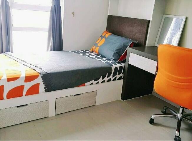 Cozy room in cyberjaya - Cyberjaya - Bed & Breakfast