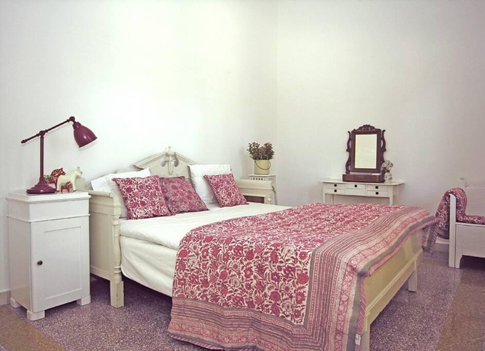 Room Uno