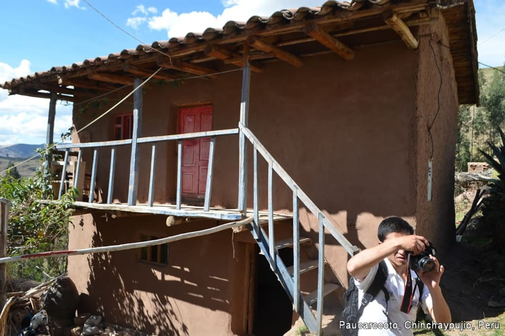 Habitaciones vista desde afuera. Comunidad de Paucarccto