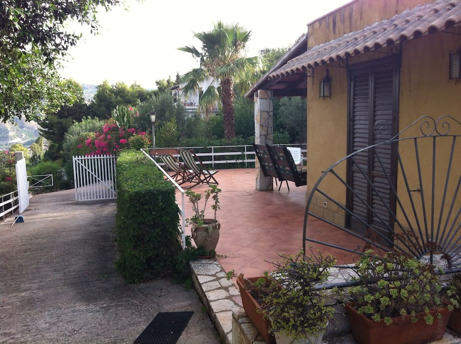 Cottage indipendente panoramico cottages for rent in for Piani cottage sulla spiaggia su palafitte