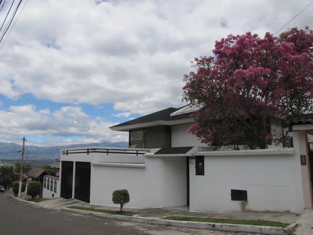 HOUSING IN QUITO, ECUADOR