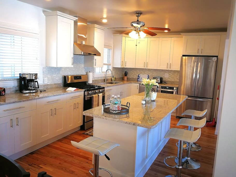 Beach House Stunning Views Close To Everything Houses For Rent In Quincy Massachusetts