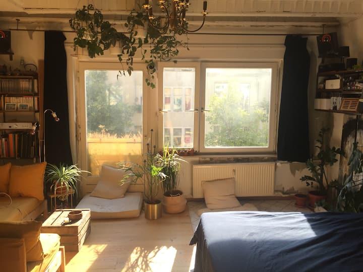 Bright Room in Kreuzkölln Hermannplatz