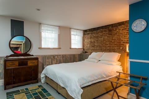 Trixie's Bed, Bath & Biscotti