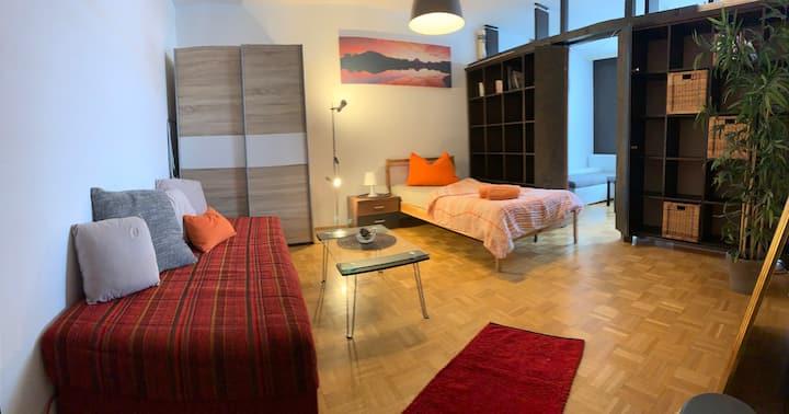 terrassenzimmer SGL mit work desk und lounge
