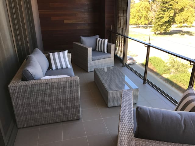 Luxury apartment in great western suburbs location - Floreat - アパート