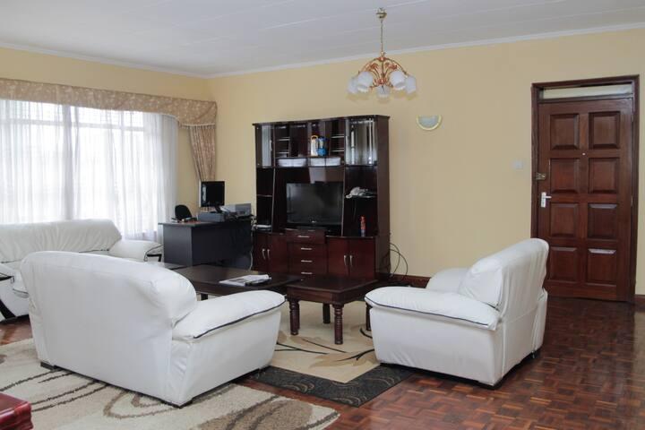 Clean, secure and serene - Nairobi - Apartment