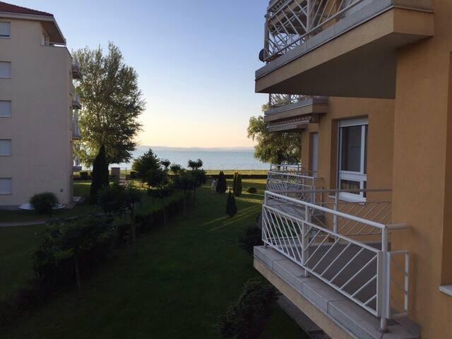 Aranypart Apartman Siófok - Siófok - Appartement