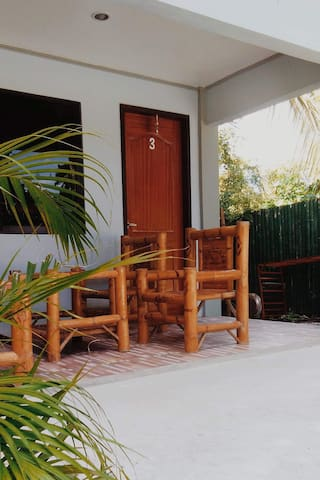 Talisay Point Guest House and Backpackers r2