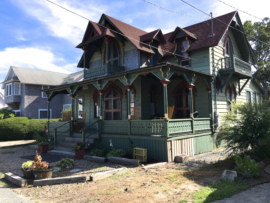 Nestled in the Historic Copeland District of Oak Bluffs