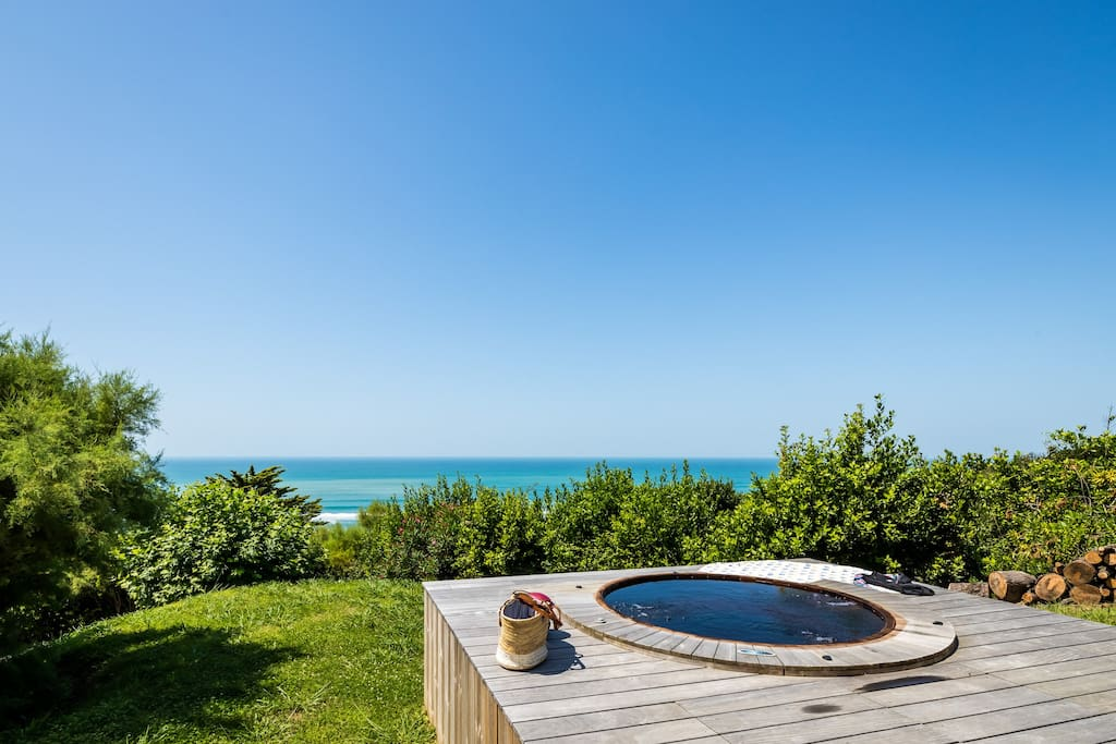La vue depuis le jacuzzi / the view from the jacuzzi