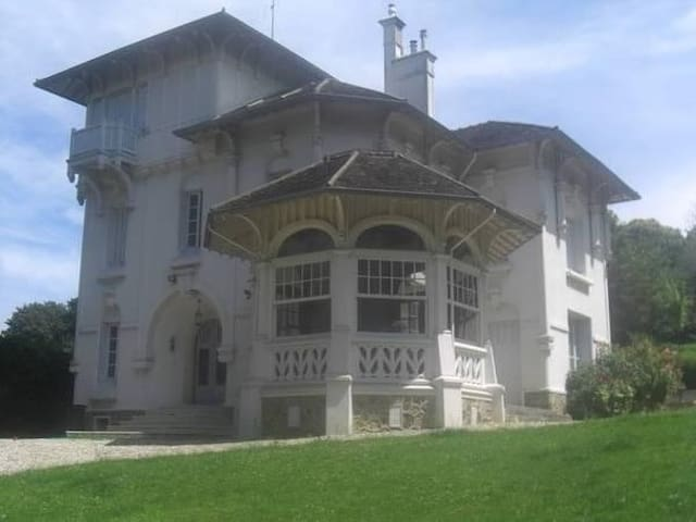 Historic Mansion near Paris and Versailles - Marly-le-Roi