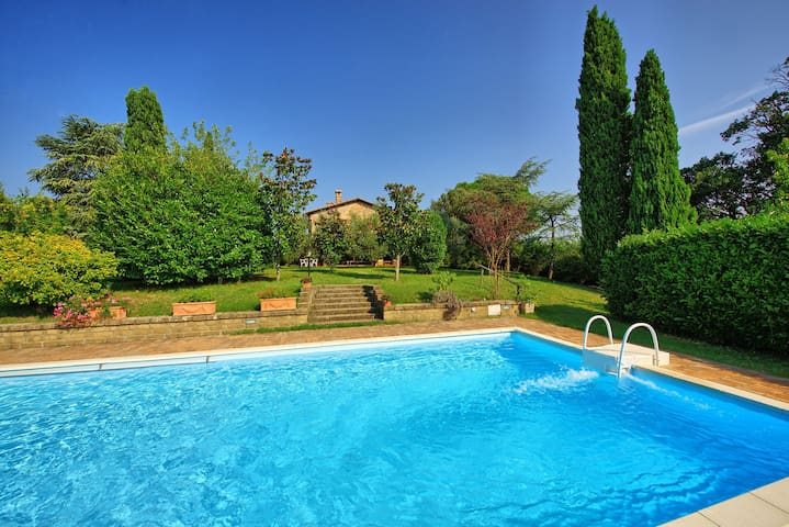 Casale Giulio - Country House with private swimming pool in Val d'Orcia, Tuscany