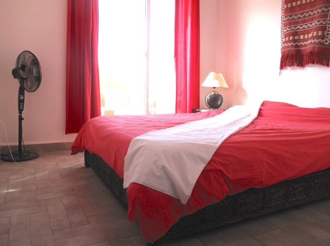 Double room (large double bed) with access to balcony