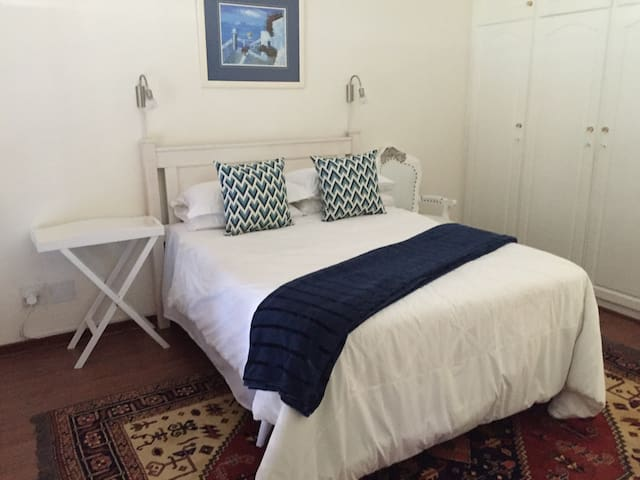 Rhodes Room: 1-2 sleeper - Umhlanga - Bed & Breakfast