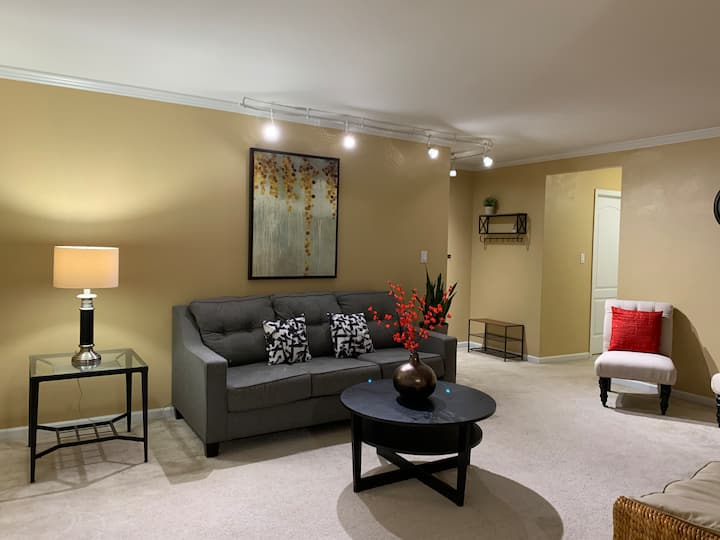 Cozy 2BD Condo Suite