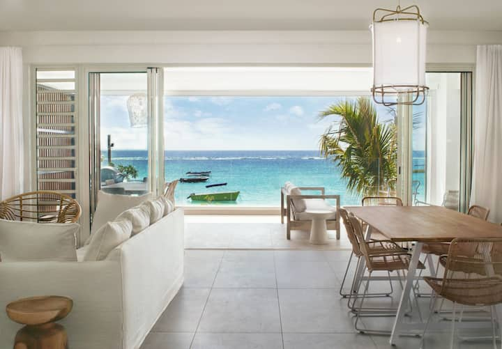 3 bedroom beachfront apartment in Trou aux Biches