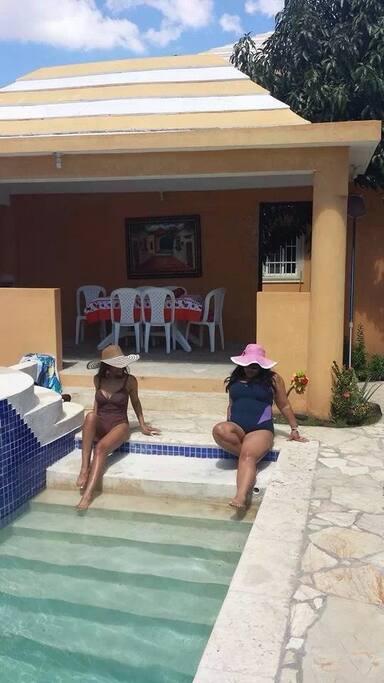 L uso della piscina comporta un costo extra ....