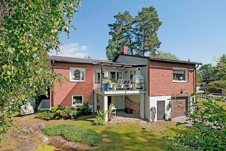 210 sqm house in Stockholm suburbs - Jakobsberg