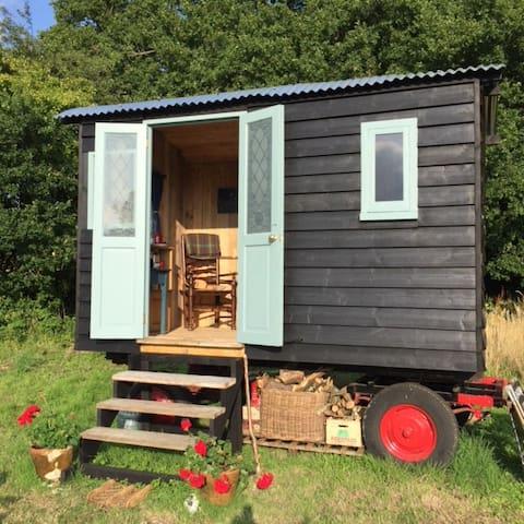 BLACKBIRD HOUSE SHEPHERDS HUT