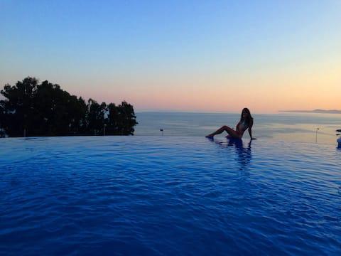 BlueBenalmadena: Romantic Beach Rental Apartment