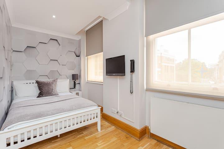 Exclusive studio apartment in Bloomsbury