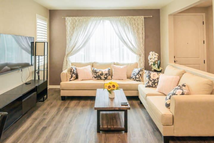 Irvine 3B3.5B Spacious and clean house