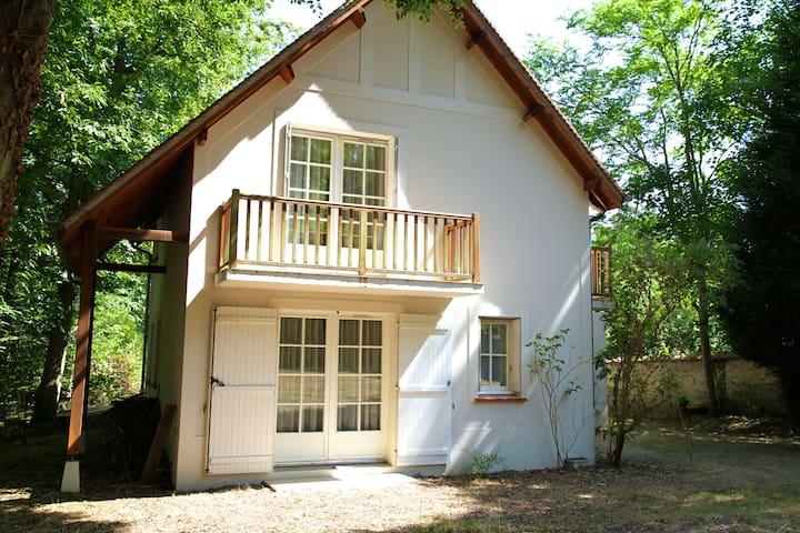 Maison des Bois: Studio 4 en bordure de Seine